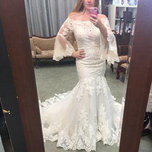 NWT Poet Sleeve Lace Blush/Ivory Wedding Dress
